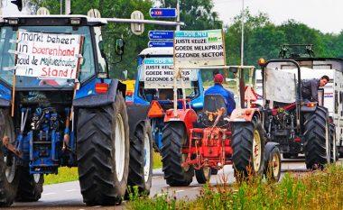 Protestojnë fermerët holandezë, traktorët e tyre shkaktojnë kaos në autostrada