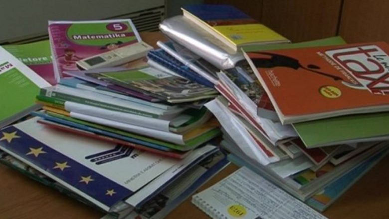 MASHT-i shpenzoi mbi 11 milionë euro për tekste shkollore, por shumë nxënës mbeten pa libra