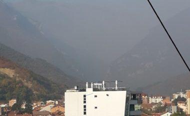 Vazhdojnë zjarret në Stankaj të Rugovës, era e tymit ndjehet edhe në Pejë