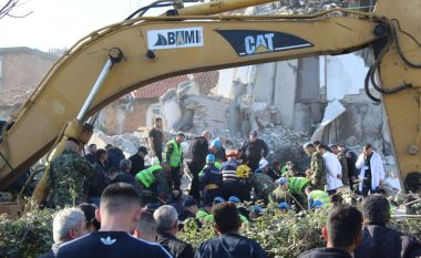 Shkon në 16 numri i viktimave në Shqipëri