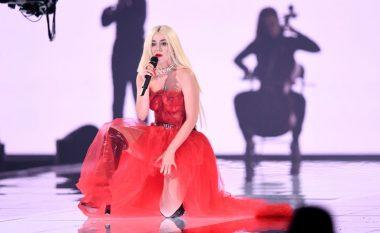 Krahas çmimit, Ava Max mahniti me interpretimin e saj në MTV EMA