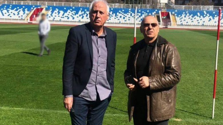 Bernard Challandes dhe Agim Ademi (Foto: ffk-kosova.com)