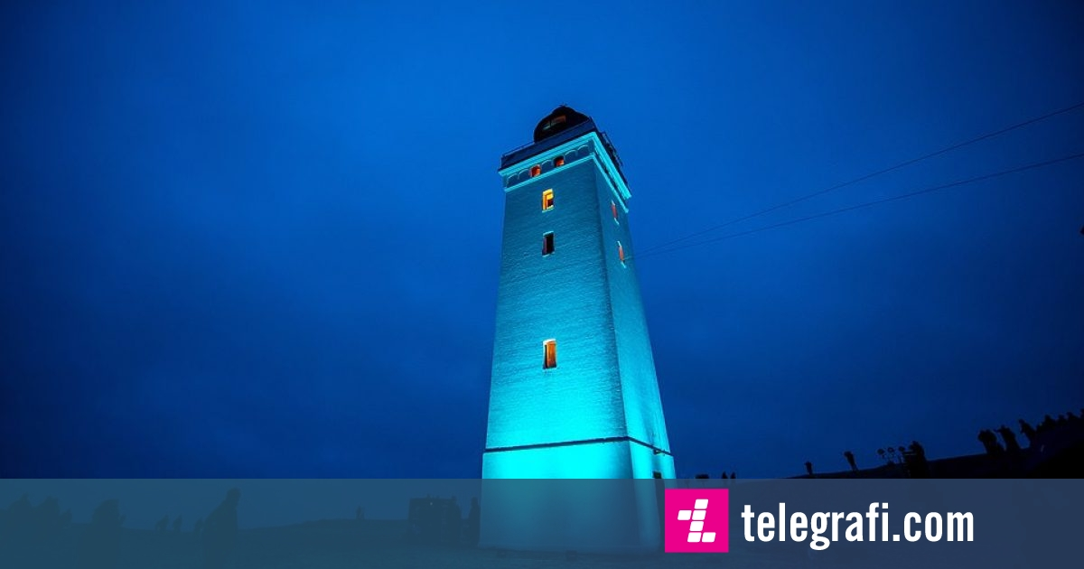 Photo of Ndriçohet sërish fanari 120-vjeçar, i lëvizur për 80 metra nga një bregdet danez