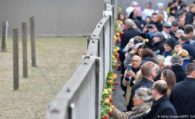 Përkujtohet rënia e Murit të Berlinit, Merkel: Ne nuk do t'i harrojmë ata