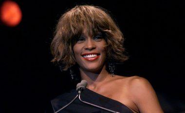 E fshehta e errët e Whitney Houston, keqtrajtimi në fëmijëri