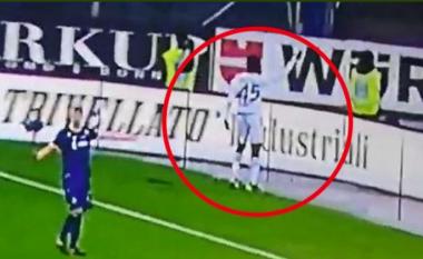 Balotelli fyhet sërish në baza racore, derisa ndeshja Verona - Brescia u ndërpre