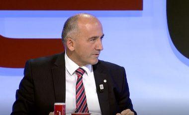 """Muhaxheri """"godet"""" Hazirin: Kryeministri i ardhshëm nuk kalon nga zyrat e LDK-së e as nga ato të ambasadave"""