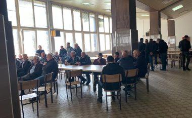 Minatorët e kombinatit 'Trepça' hyjnë në ditën e dytë të grevës