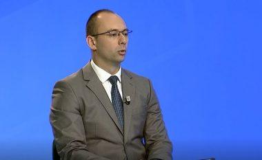 Befason nënkryetari i Listës Serbe: Jam detyruar ta mbroj Kushtetutën e Kosovës nga partitë shqiptare