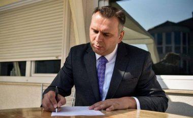 Bajqinovci: Thaçi, ky fodull që tallet me shtetin e me Kushtetutën