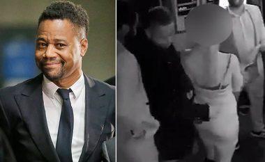 Publikohet videoja e aktorit Cuba Gooding Jr. që vërteton se e ngacmoi kamarieren në restorant duke ia prekur të pasmet