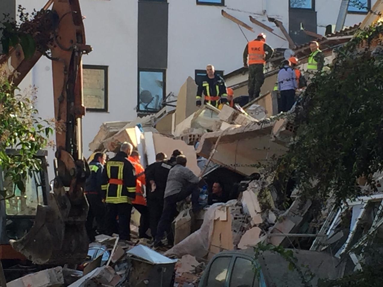 Shkon në 13 numri i viktimave nga tërmeti në Shqipëri