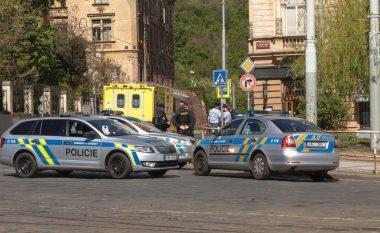 Të shtëna armësh në një spital në Çeki, vriten gjashtë persona - sulmuesi arratiset