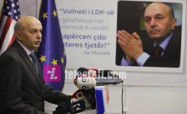 LDK nuk heq dorë nga posti i presidentit - Mustafa thotë se për të partia e tij do t'ia japë edhe një ministri më shumë LVV-së