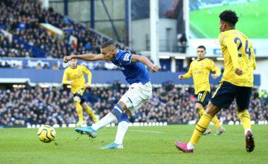 Arsenali merr një pikë në udhëtim te Evertoni