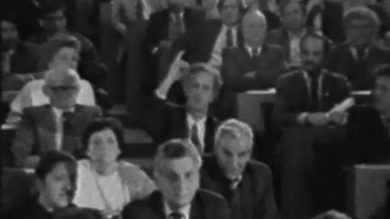 Delegati Riza Lluka, më 23 mars 1989, ndër të paktët që votoi kundër ndryshimeve kushtetuese të imponuara nga pushteti i Sllobodan Milosheviqit