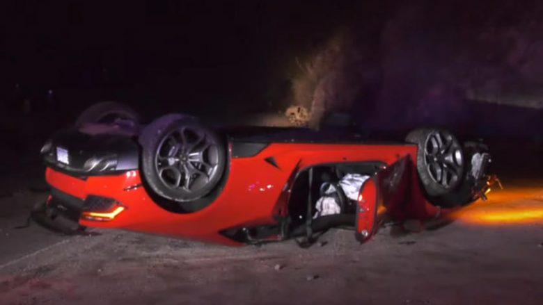 Shoferi iku pa gjurmë nga Lamborghi që e rrotulloi në mes të një autostrade në Los Angeles