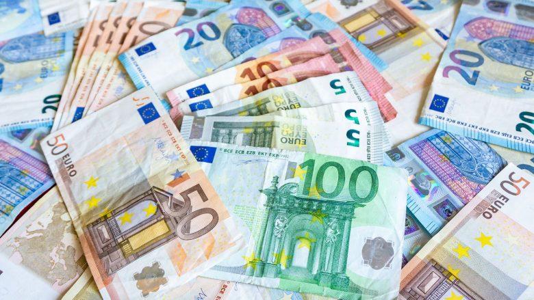 21 vite nga hyrja e Euros si monedha e re në Evropë