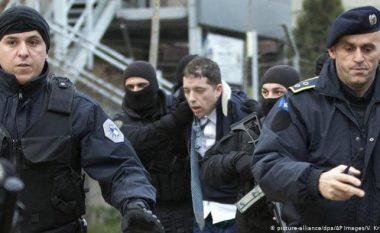 Këshilltari i Pacollit: Ne e arrestuam Gjuriqin, ata ulen në tavolinë me të