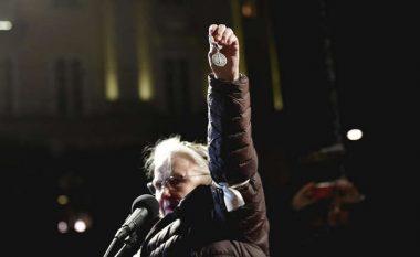 Suedezja, fituese e Nobelit për vitin 1988 kthen çmimin - në shenjë proteste ndaj Handke
