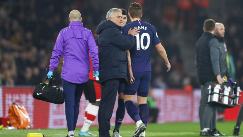 Jose Mourinho dhe Harry Kane (Foto: Michael Steele/Getty Images/Guliver)
