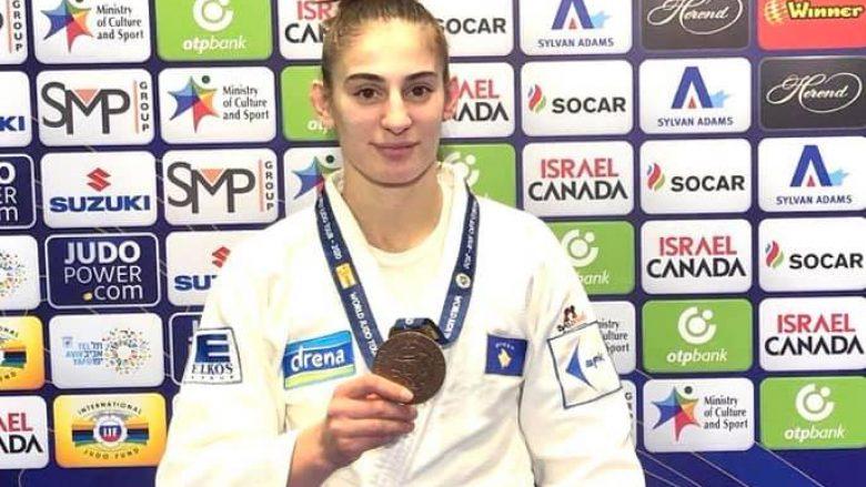 Nora Gjakova me medaljen e bronztë
