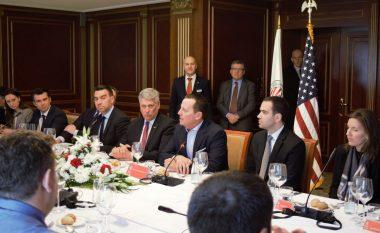 Ambasadori Grenell: Komuniteti i biznesit ka rol të rëndësishëm në dialogun Kosovë-Serbi