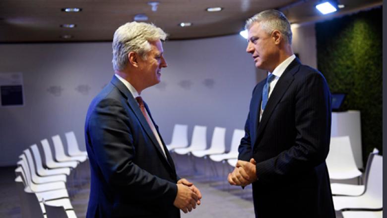 Thaçi takon këshilltarin e presidentit amerikan, flasin për marrëveshje përfundimtare Kosovë-Serbi