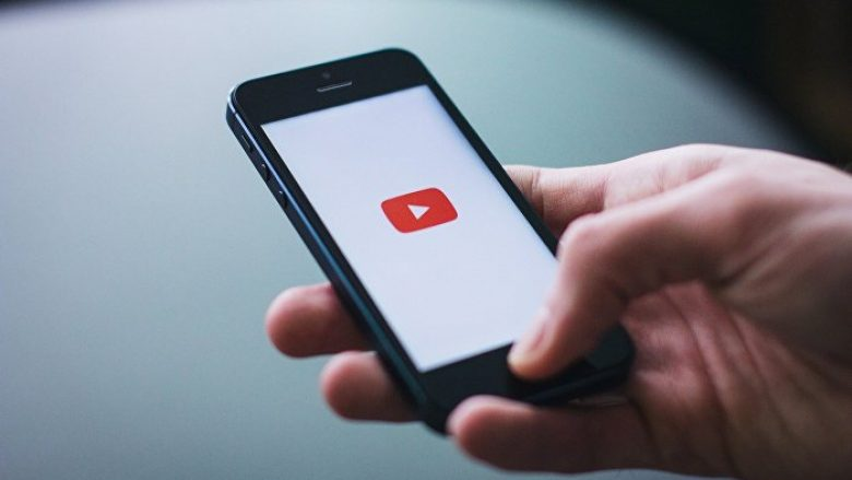 """YouTube festoi ditëlindjen e 15-të: Rrëfimi për platformën që ka sjellë revolucion te videot – por që kishte edhe """"defektet"""" e saj"""