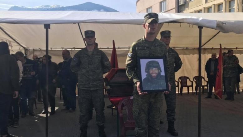 Mbahen homazhe në nderim të Qerim Kelmendit