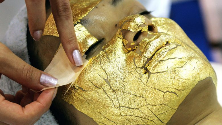 Gold Facial Treatment (Foto: GettyImages/Guliver)