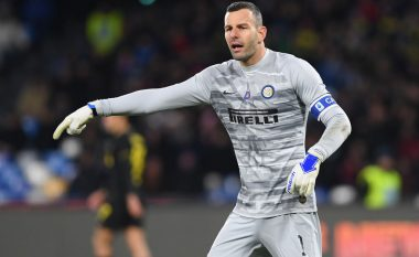 Handanovic dëshiron të luajë me gisht të thyer në Derby della Madoninna, rrezikon operimin