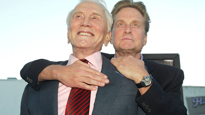 Kirk Douglas dhe Michael Douglas (Foto: by Kevin Winter/Getty Images/Guliver)