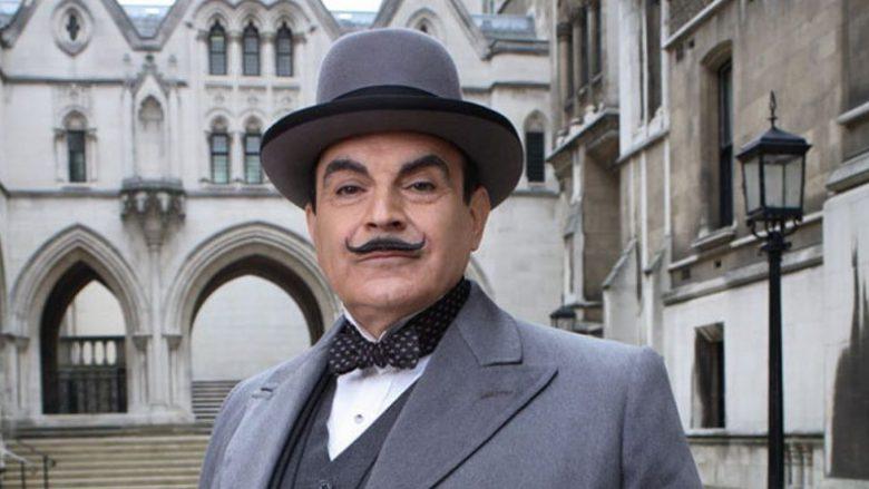 Aktori David Suchet në rolin e detektivit Hercule Poirot