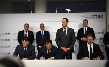 Nënshkruhet marrëveshja Kosovë-Serbi për linjën hekurudhore dhe autostradën