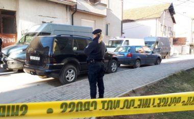 Detaje të reja për tragjedinë në Gjilan: Policja që dyshohet se vrau prindërit dhe vëllezërit dhe u vetëvra, nuk ka qenë e suspenduar