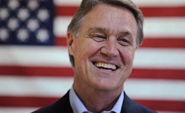 Senatori amerikan: Nëse nuk hiqet taksa, SHBA të rishqyrtojë praninë në Kosovë