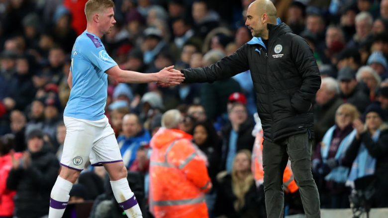 De Bruyne e Pep Guardiola (Photo by Alex Livesey/Getty Images)