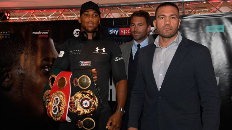 Anthony Joshua dhe Kubrat Pulev (Foto: Stu Forster/Getty Images/Guliver)