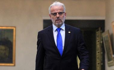 Qeveria nuk komenton Talat Xhaferin, thotë se e vetmja gjuhë zyrtare për përdorim të jashtë është gjuha maqedonase
