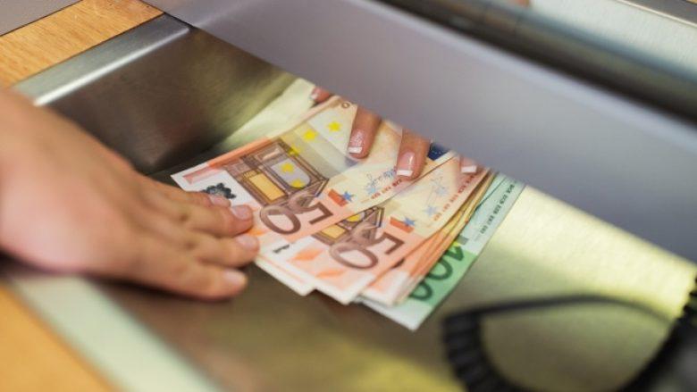 Ndahen 7.5 milionë euro për pagesa shtesë për ndihmat sociale