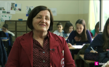 Një jetë kushtuar nxënësve – Rrëfimi i mësueses Hajrije Rrecaj, që dha mësim edhe në kampin e Stankovecit gjatë kohës së luftës