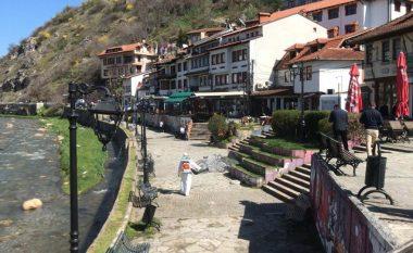 Prizreni në karantinë, qytetarët që ndodhen jashtë kësaj komune mund të kthehen sot deri në orën 17:00