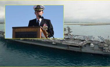 Marina e SHBA-së shkarkon kapitenin e aeroplanmbajtëses që ngriti alarmin për coronavirusin – tregohet se çfarë kishte thënë ai