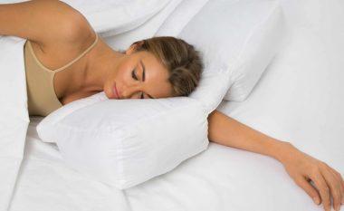 Sa i lartë duhet të jetë jastëku që fle, përgjigjen specialistët