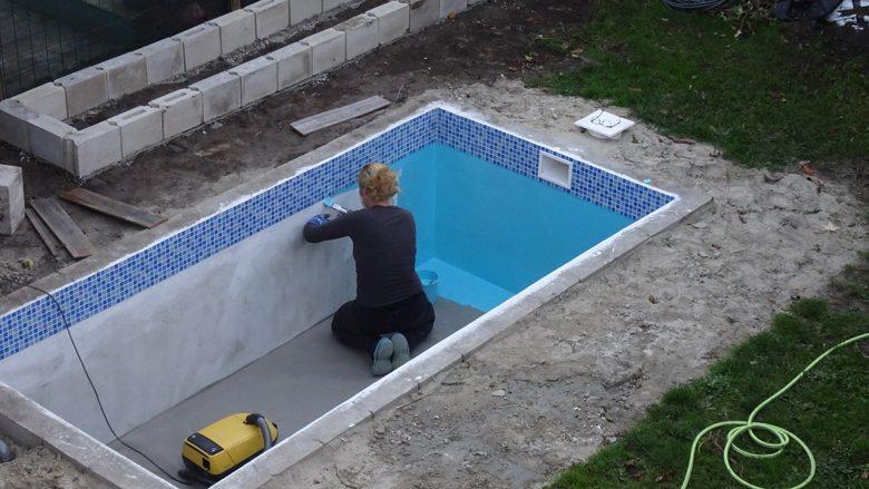Si ta bëni pishinën vet në oborrin tuaj: Udhëzimi hap pas hapi!