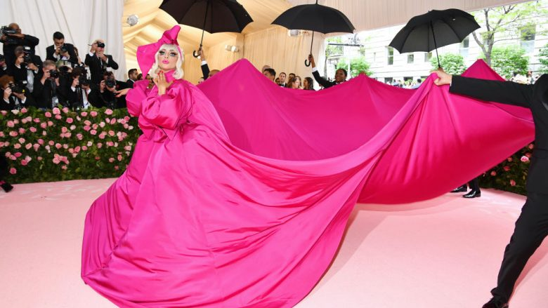 Lady Gaga (Foto: Dimitrios Kambouris/Getty Images for The Met Museum/Guliver)