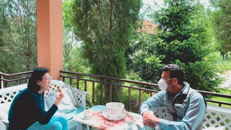 Ramë Lahaj dhe nëna e tij (Foto: Instagram)