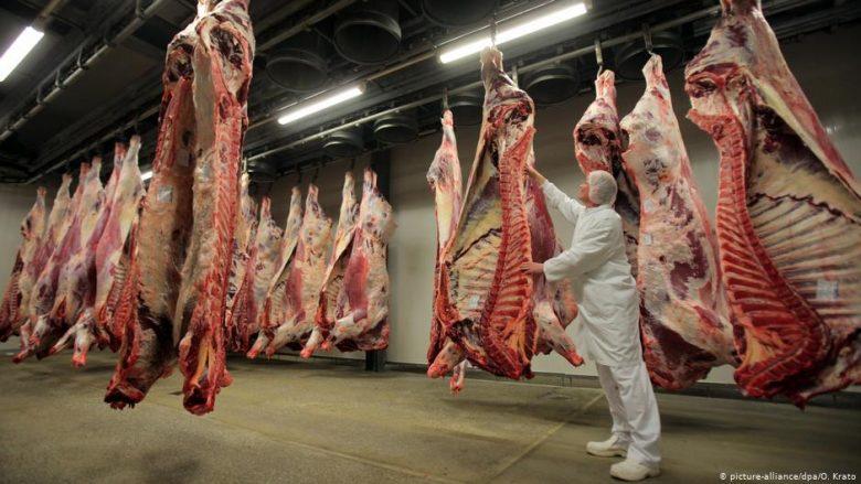 Gjermania thotë se do të merret më vonë me industrinë e mishit
