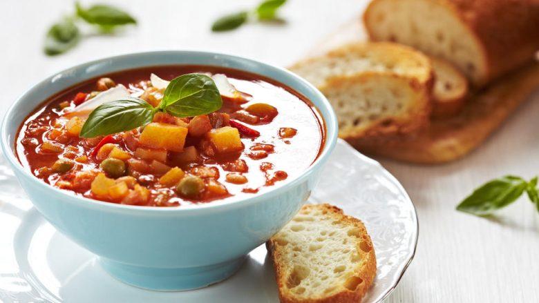 Supë minestrone: E pasur dhe e shijshme, në çast do t'ju pushtojë!